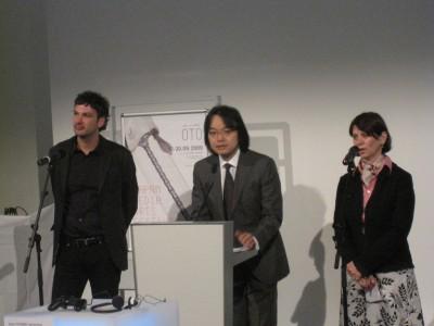 プレスレセプション。Director 脇本さんとCoded CultureのGeorgさん