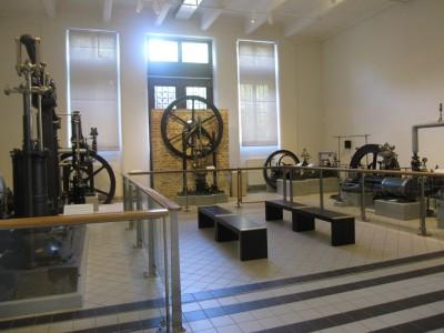 産業技術博物館。もう、蒸気機関が山ほど。萌えまくり。