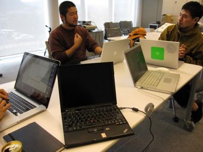ひとりthinkpad。10年間愛し続けたthinkpadにも別れつげ、Macに移行、する予定。